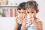 小孩子喝牛奶的习惯是好还是坏呢?