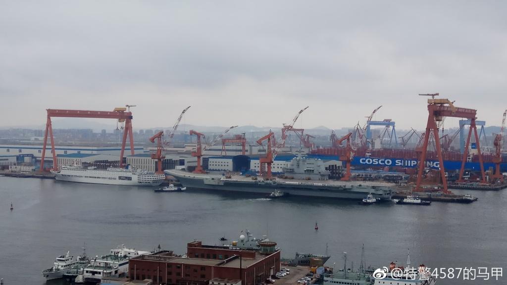 中国国产航母今日或海试 多艘拖船已集结就位