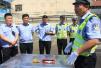 郑州交警深入车站普及安全驾驶 避免事故上演