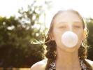 经常嚼口香糖可能患胃病?转发提醒!