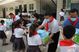 平顶山卫东区:开展六一儿童节慰问活动
